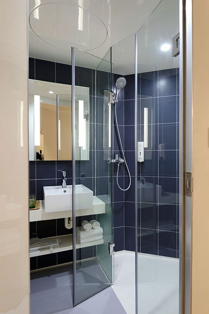 Frameless glass shower doors Alhambra CA